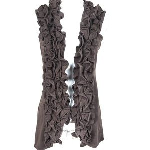 MILANO ruffled front sleeveless vest size Small